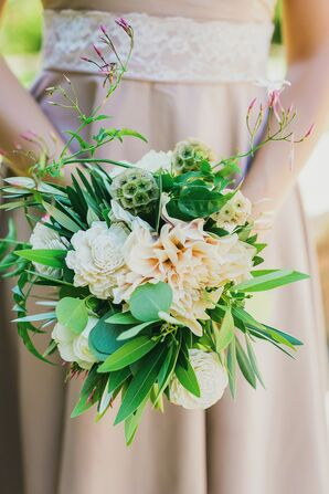 Vibrant Green and White Bridesmaid Bouquets