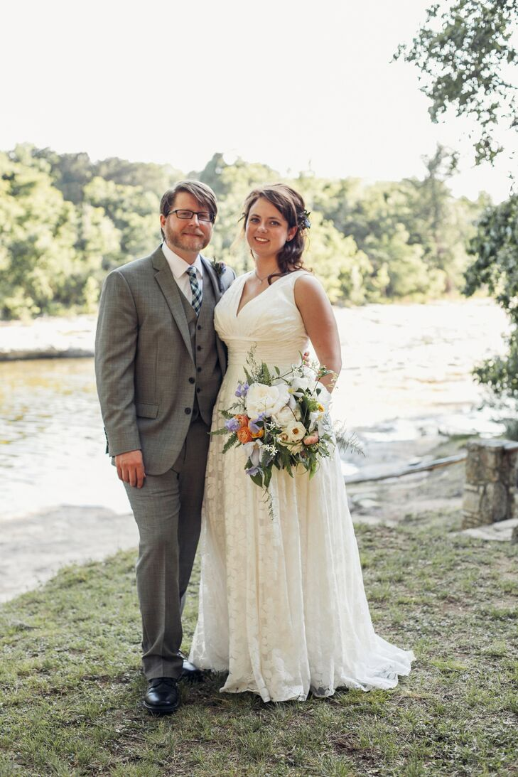 This wedding makes us nostalgic for summer camp. Courtney Perkins (32 and in user-experience design) and Mark Scofield (31 and a motion graphics desig