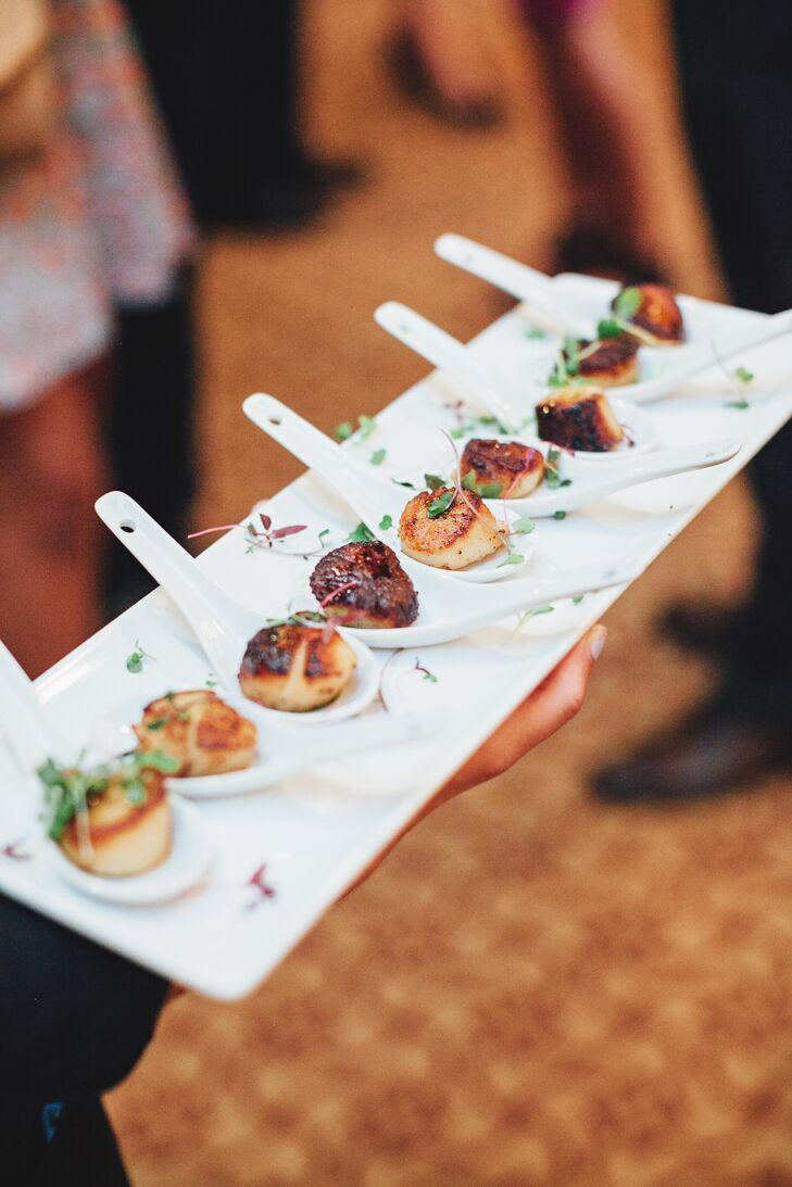 While the newlyweds performed their tea ceremony, guests enjoyed cocktail hour in the Villa's ballroom. As they mixed and mingled, guests nibbled on pan-seared scallops, mini crab cakes, teriyaki steak drumsticks and more.