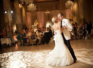 Because their wedding took place on the Fourth of July, Lisa Suchy (26 and a teacher) and Will Magnuson (26 and a director of sales) wanted to pay hom