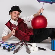 Portland, OR Circus Performer | Eli March: Circus, Juggling, Magic and Laughs