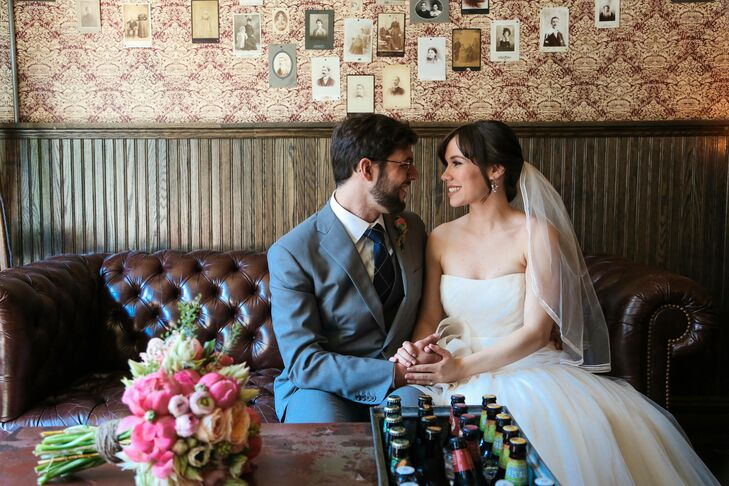 Emma Walton (27 and an actor and manager at Cafe Cluny) and Jesse Shapell (29 and manger at Isa Restaurant) planned a laid-back, rustic chic affair fo