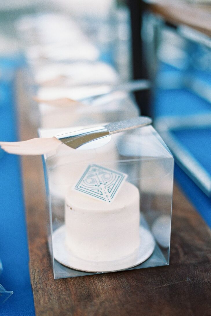 Individual Cakes for Microwedding in Cape Cod, Massachusetts