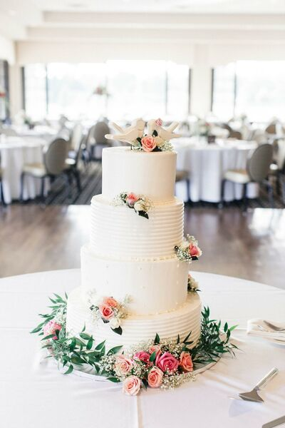 Wedding Cake Bakeries in Wixom, MI - The Knot