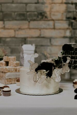 Single-Tiered Wedding Cake with Alternative Flowers
