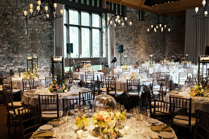Neutral linens ensured that the beautiful stonework at Blue Hill would stand out.