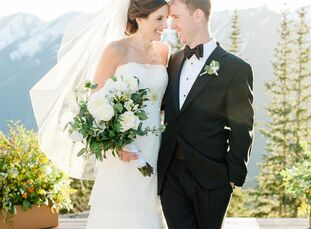 Jennie McIlvaine (34 and a physical therapist) and Rick Corbett (31 and works in real estate) wanted their wedding to be uniquely them with a natural,