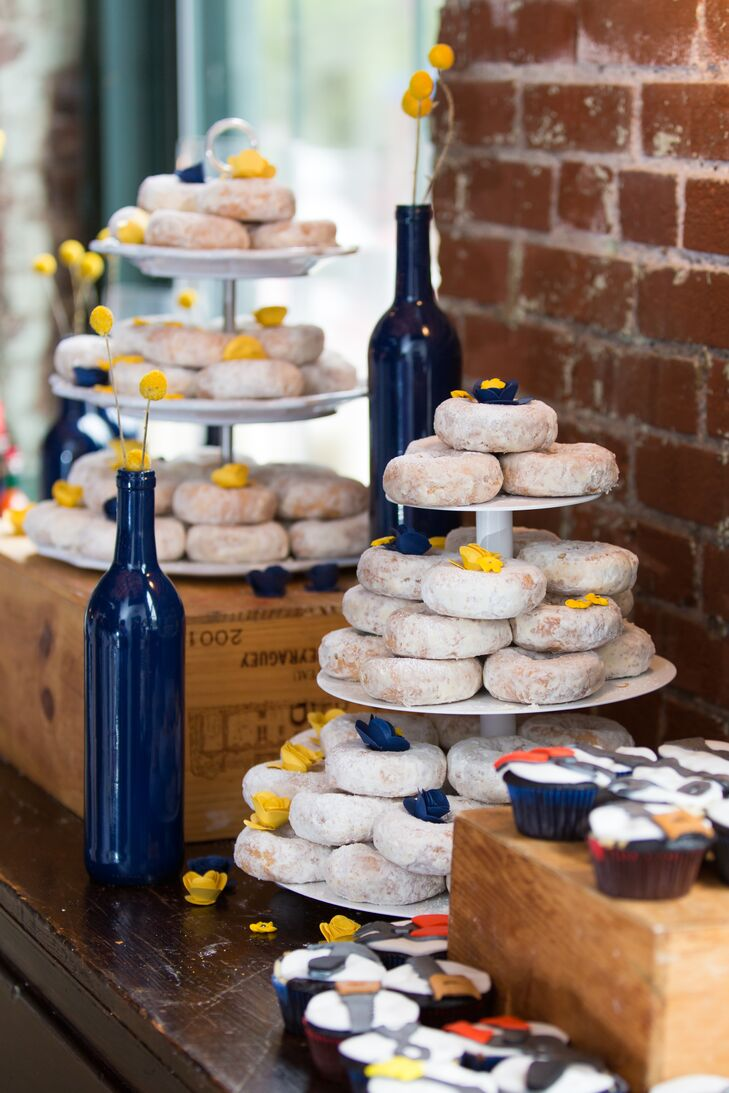 Powdered Doughnut Dessert Bar