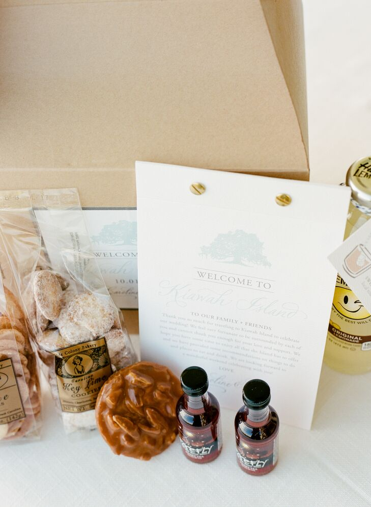 The couple's welcome bags included an array of Southern goodies: airplane bottles of Firefly sweet tea vodka, lemonade and an array of sweet treats.