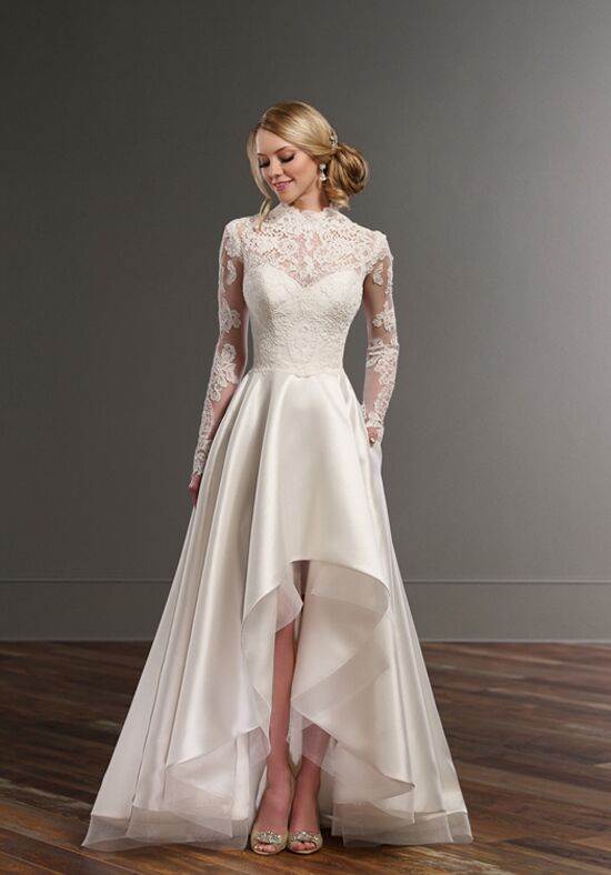 Martina liana carter jude sia wedding dress the knot for Wedding dresses for small frames