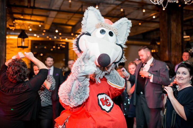 Kansas City Chiefs Wolf Mascot