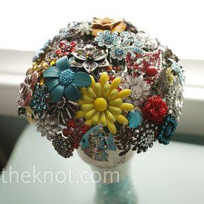 Retro Brooch Bouquet
