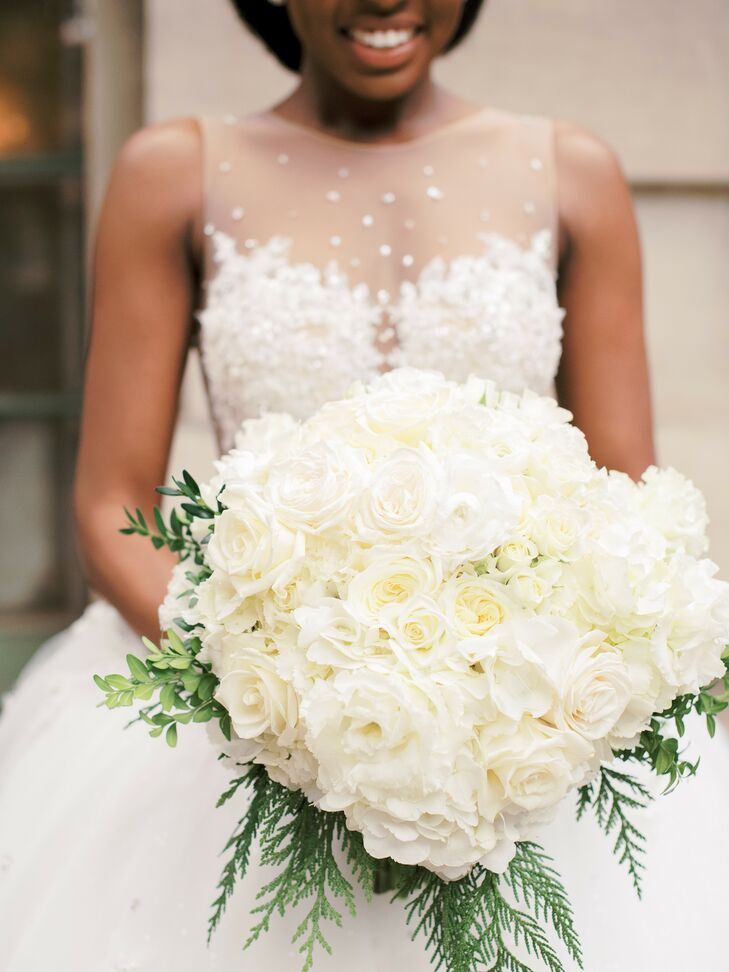 All-White Bouquet for Glamorous Winter Wedding