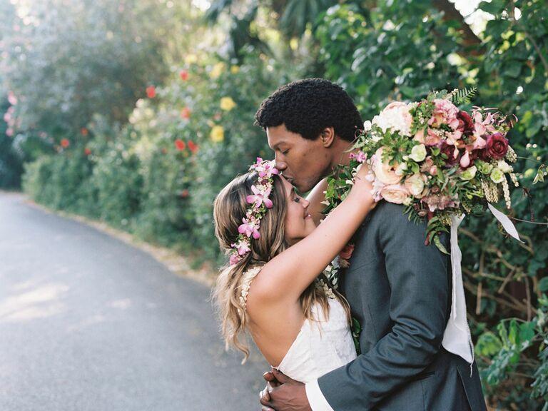 eac3def5 Wedding Customs: Hawaiian Wedding Traditions