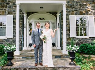 Without a theme in mind for their spring wedding, Llorin Edwards (37 and a social worker) and Matthew Hunt (34 and a lawyer) let