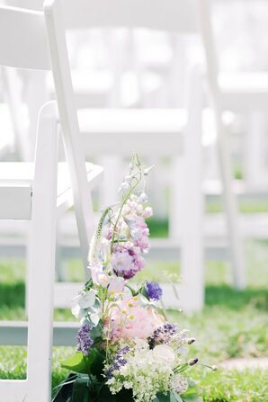 Elegant Pastel Flower Arrangement with Wildflowers and Lavender