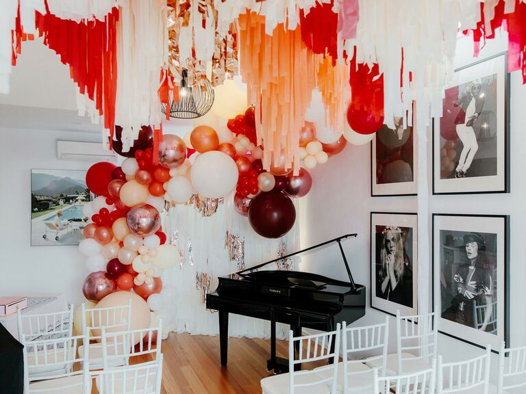 how to choose wedding vendors balloons at home wedding