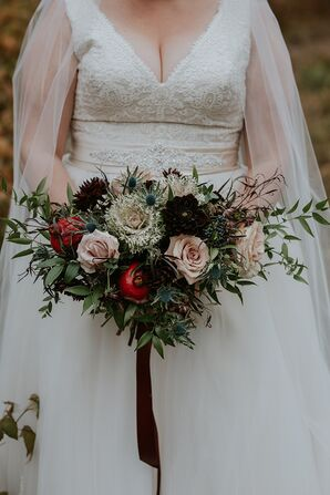 Rustic Bouquet with Roses, Pomegranate and Berries