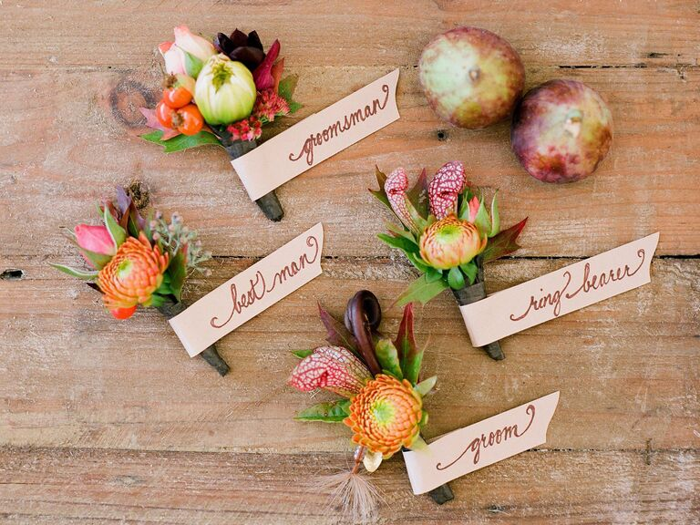 Who gets wedding corsages and wedding boutonnieres rustic groomsmen boutonnieres junglespirit Images