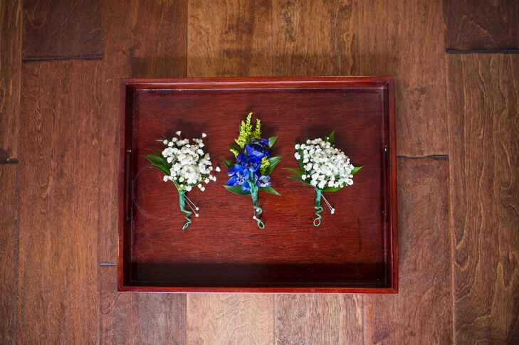 Simple Baby's Breath Boutonnieres