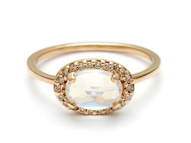 Pavé amulet moonstone engagementring