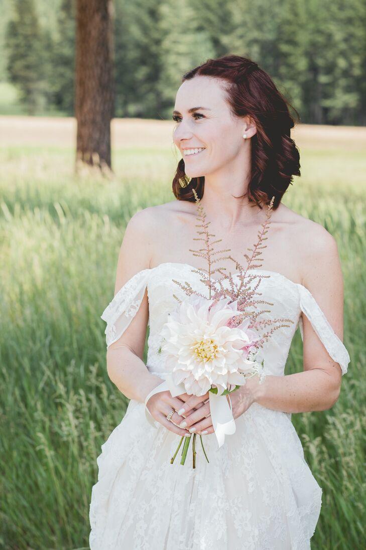 Single Dahlia Bridal Bouquet