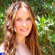 Los Angeles, CA Psychic | Guinevere: A Spiritual Intuitive/Angelic Readings