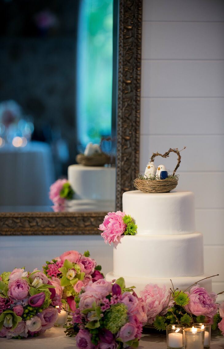 My sister and maid-of-honor is a pastry chef and owns a bakery/bar in New York City, so she had offered to make the cake as a wedding gift to us, says Marietta. We settled on a lemon cake with raspberry buttercream, which was light and refreshing.