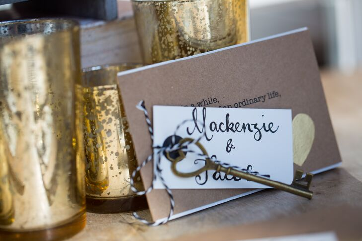 Instead of traditional escort cards, Galina hand-calligraphed the names of each guests onto cards and attached them to skeleton keys and handmade books of poems.