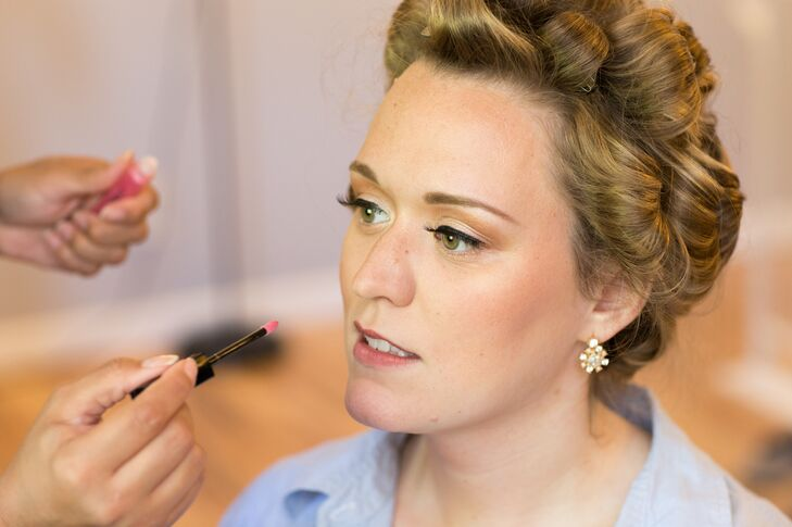 Elegant, Natural-Looking Bridal Makeup
