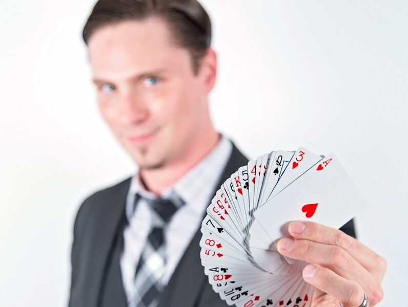 DARSHWOOD: Magic & Hypnosis - Magician - Louisville, KY