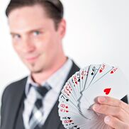 Louisville, KY Magician | DARSHWOOD: Magic & Hypnosis