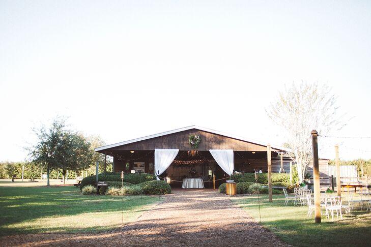 Cross Creek Ranch Barn Reception Venue