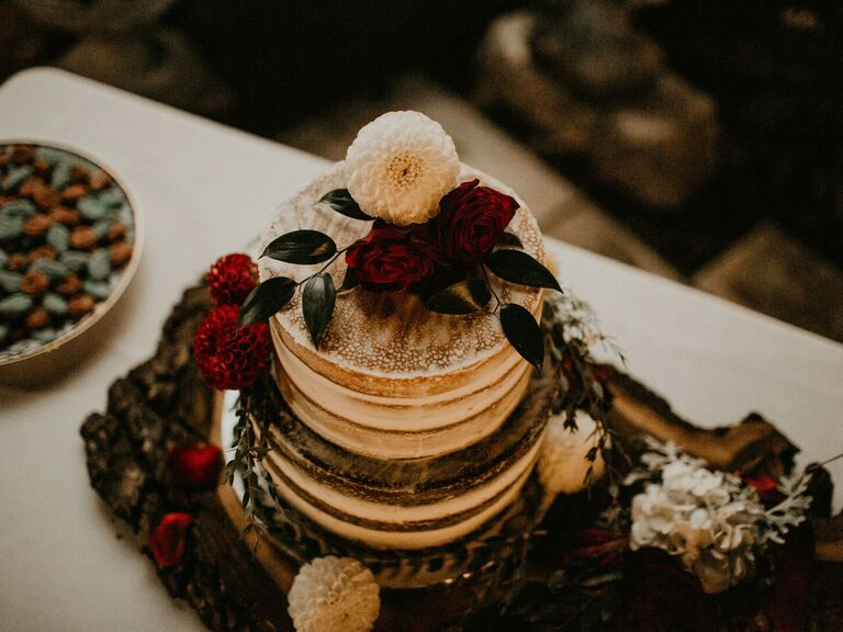Fall wedding ideas naked cake with dark accents