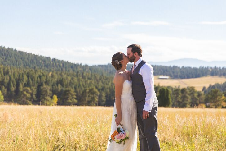 Abby Liden, 28, a personal trainer, and Ian Edwards, 30, works in a sports retail store, met at a resort in Colorado. Abby had gone on a ski trip, and
