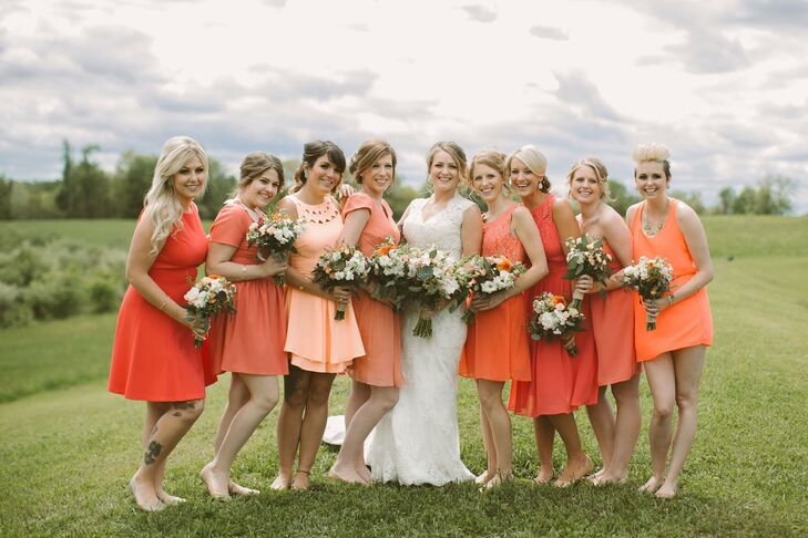 Hayley let her bridesmaids choose their own coral-colored dresses.
