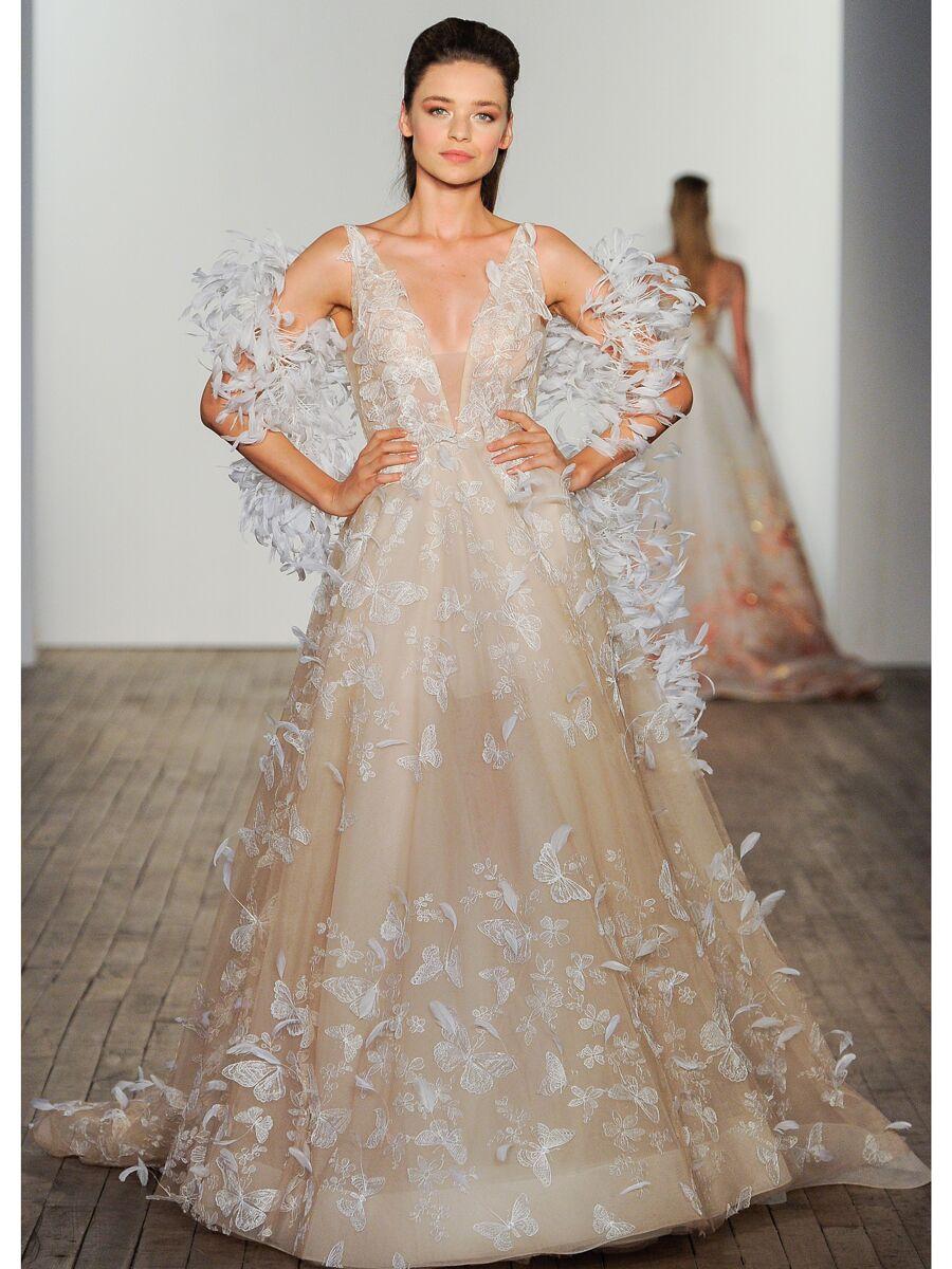 lazaro-wedding-dresses-fall-2020-feathers