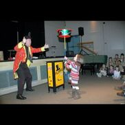 West Boylston, MA Magician | Flippo The Juggling Magician / Clown