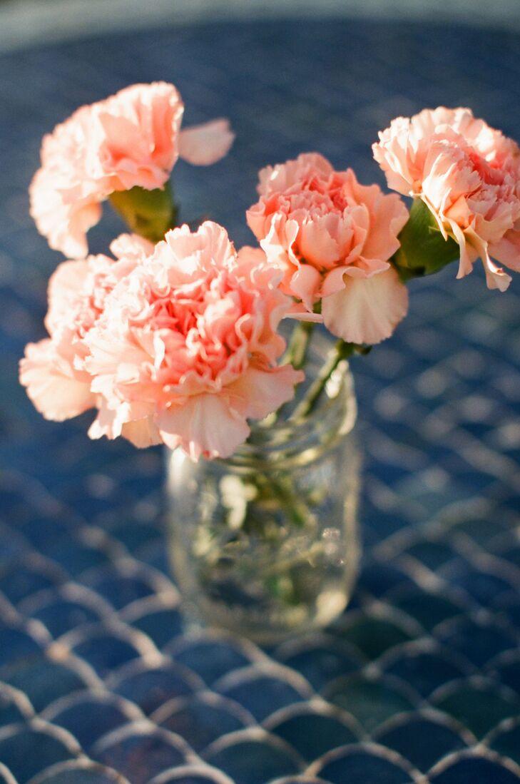 Simple Peach Carnation Centerpiece