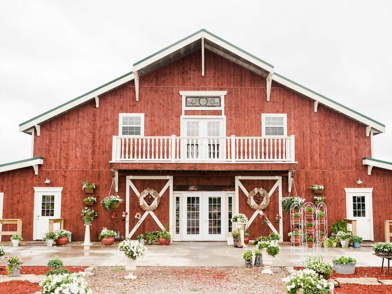 Bessie's Barn Iowa wedding venue