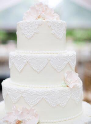 Vintage Fondant Lace Wedding Cake