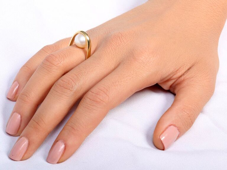 Arosha yellow gold engagement ring with pearl in 14K yellow gold