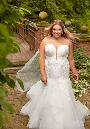 Essense of Australia D2920+ Mermaid Wedding Dress