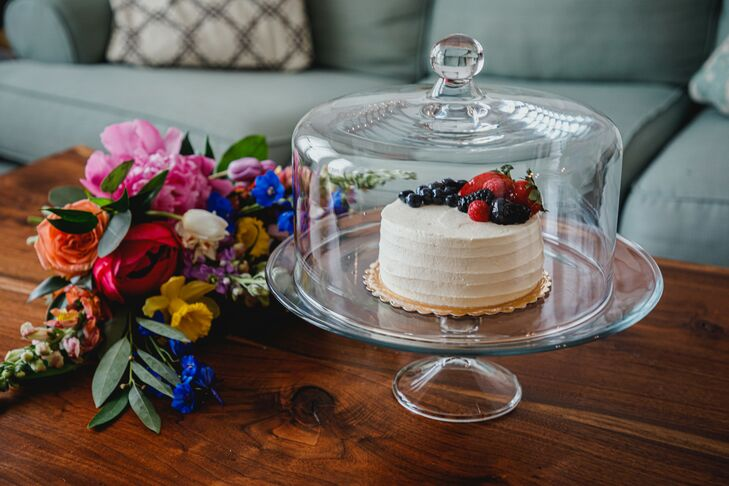Mini Cake at Pandemic Minimony in Dallas, Texas