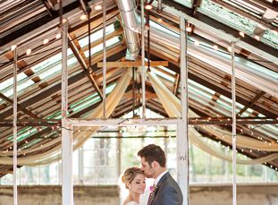 What do you get when an interior designer and an architect get married? A gorgeous wedding! Courtney Parfitt (27 and an interior designer) and Andrew