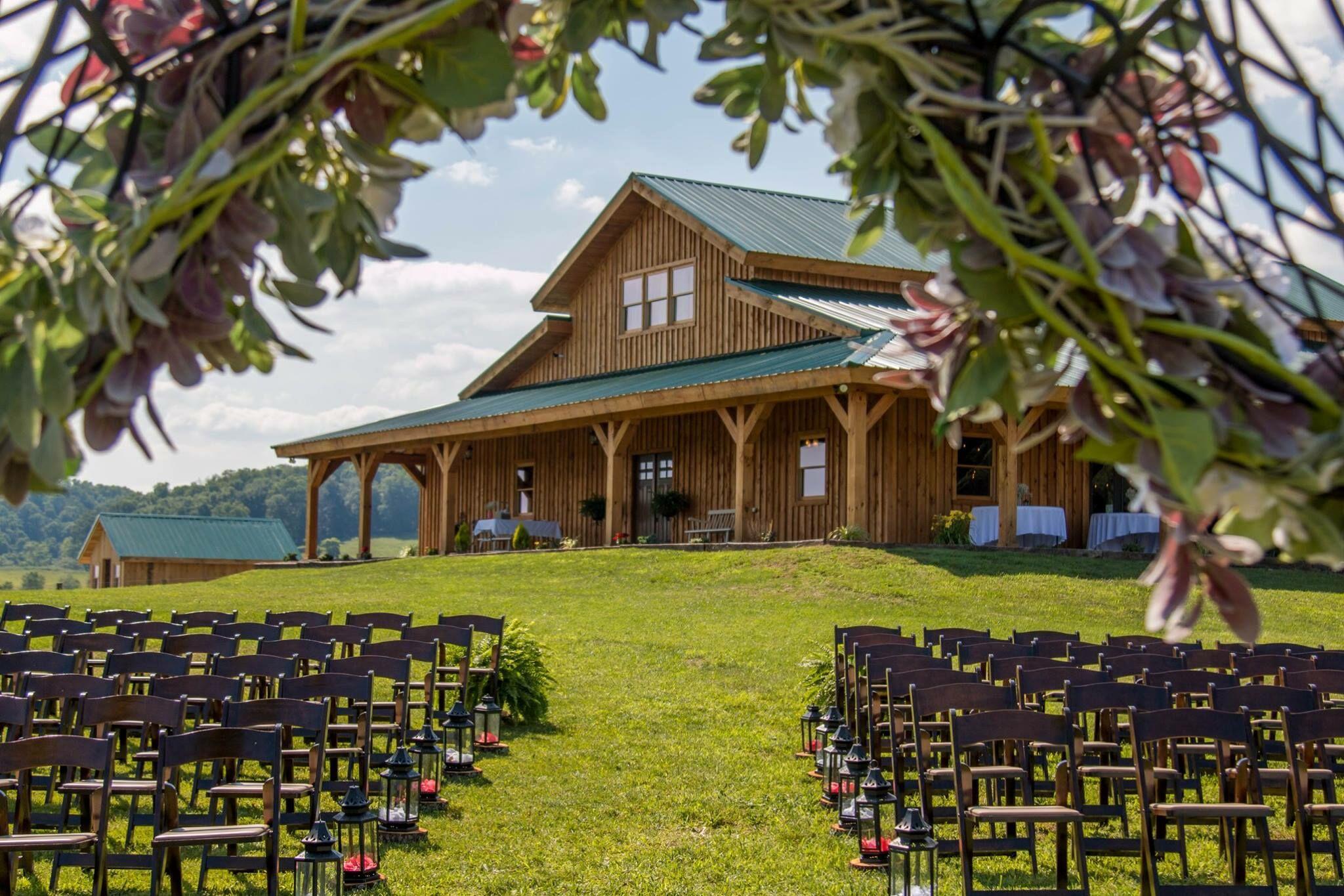 caabcc15 9132 4763 abb0 c0de50bbac35 - barn wedding guest dresses