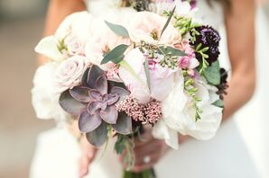 Sophisticated, Dramatic Bridal Bouquet