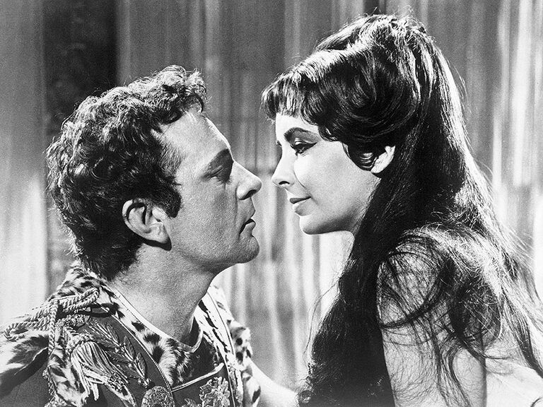 Richard Burton as Mark Antony and Elizabeth Taylor as Cleopatra