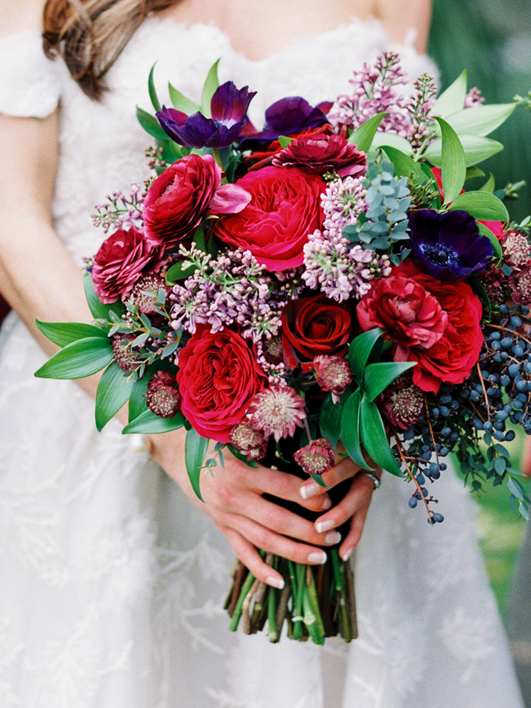 Winter Wedding Bouquets You\'ll Love