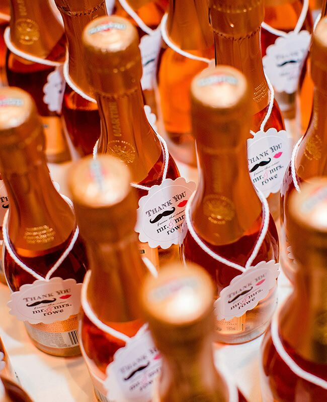 Champagne: Leo Timoshuk Photography / TheKnot.com